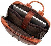 ea8d5620244 Castelijn   Beerens Elegantní kožený batoh na notebook 609576 koňak ...